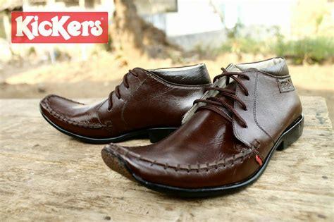 Sepatu Kickers Pantofel Motif Coklat jual sepatu kickers pantofel tali coklat kulit premium distributor sepatu bdg