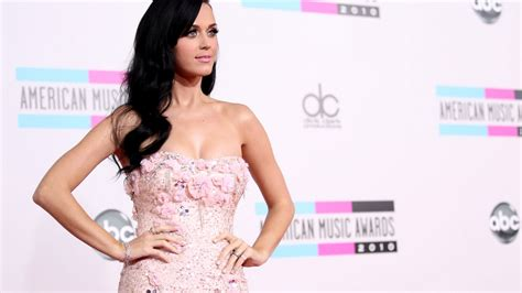 imagenes full hd de katy perry vestido rosado de katy perry hd 1366x768 imagenes