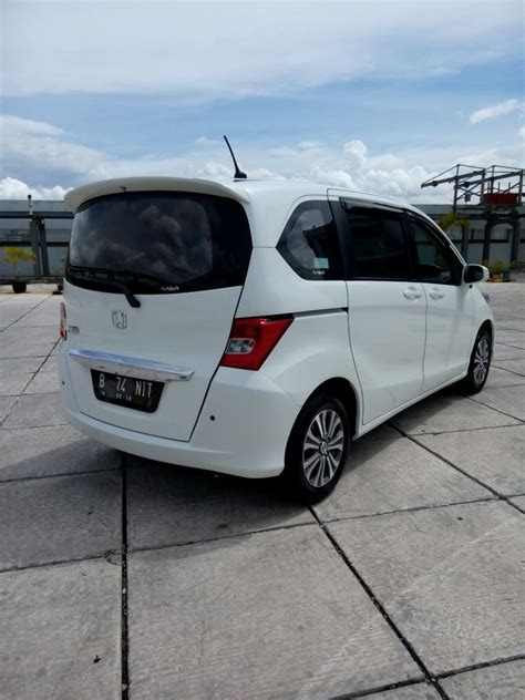 Jual Honda Freed 1 5 Psd At 2012 honda freed 1 5 e psd matic 2013 putih mobilbekas