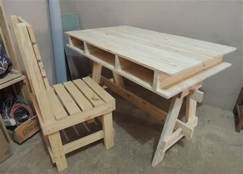 Diy Pallet Computer And Study Desk Ideas Diy Study Desk