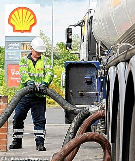 second fuel strike averted as shell tanker drivers win inflation busting 14 per cent pay rise