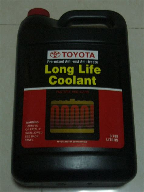 toyota coolant for sale toyota genuine fluid 00272 sllc2 coolant 1 html