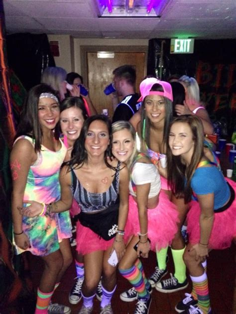 themes for college parties your fool proof guide to college theme parties 10worthy