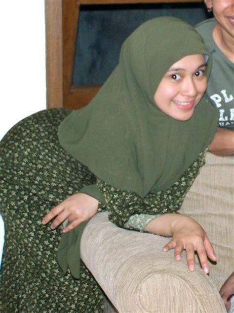 Nungging Jilbab Rok Panjang