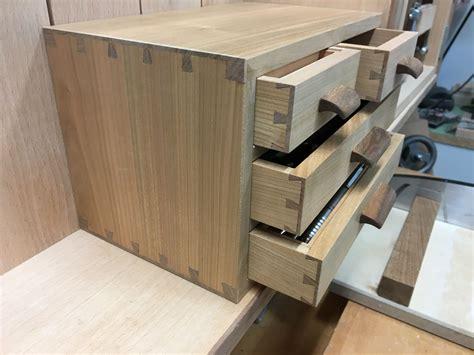 Hochbeet Für Balkon Selber Bauen Anleitung by Holzwerken Hochbeet