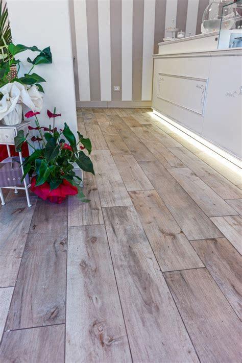 pavimento gres effetto legno pavimento effetto legno in promozione le piastrelle in