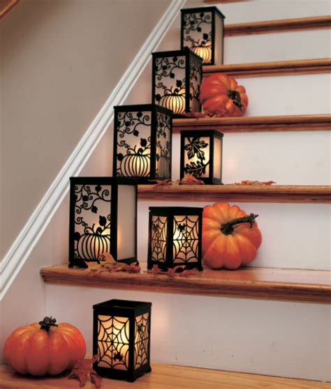 Decorating The Stairs by 35 Cozy Fall Staircase D 233 Cor Ideas Digsdigs