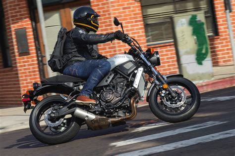 yamaha xsr review  fast facts