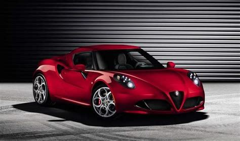 fiat chrysler unveils sports car alfa romeo 4c