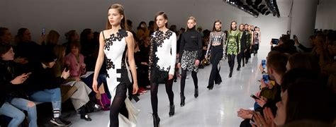 Fashion News Weekly Up by Fashion Week Fashion Week September 2017