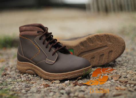 Sepatu D Island Brown Sepatu Gaul Muraaahh Broo sepatu original gaul dan trendy 2016 island shoes promosialiansi