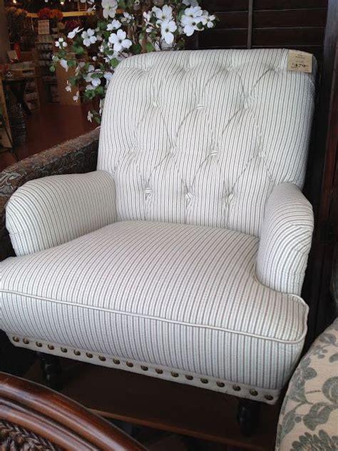 seersucker couch seersucker chair from pier one picture doesn t do it