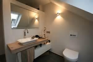 Moderne Badezimmer Beleuchtung 20170112195111 Badezimmer Dachschr 228 Ge Beleuchtung