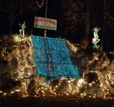 2018 christmas light displays in chicagland at rock park in alton
