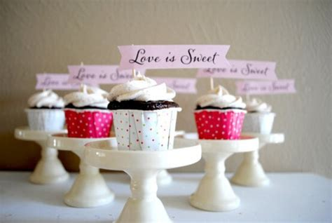 Wedding Banner Messages by Wedding Cupcakes With Message Banners