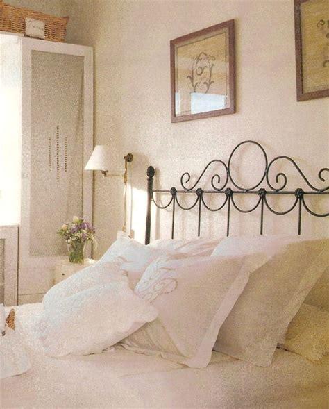 decorar dormitorio con cama de hierro ambiente dormitorio flor 2 forja cabeceros cabezales