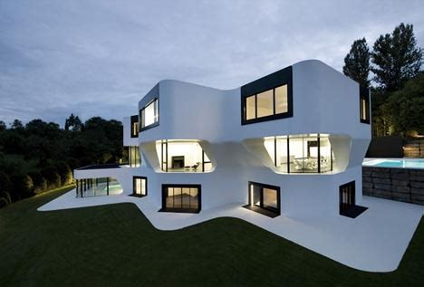 Cool Modern Houses by Complex But Contextual Unique Curved Modern House