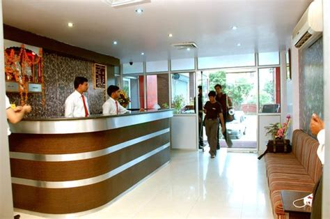 front desk officer front office picture of hotel abhay palace ghaziabad tripadvisor