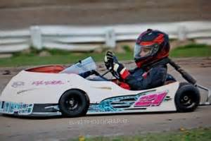 Tim Phillips Garage by Frosty Warms Up For 5 Time 2016 Kart Winners