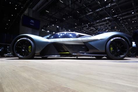 2020 Aston Martin Valkyrie by Aston Martin Ceo Mid Engine Supercar Coming In 2020