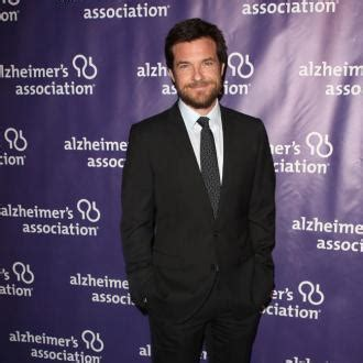 country music loving arrested development jason bateman wants more arrested development