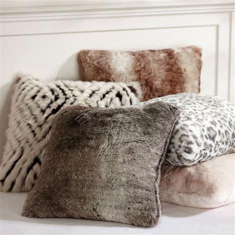 decken und kissen faux fur pillow cover pbteen
