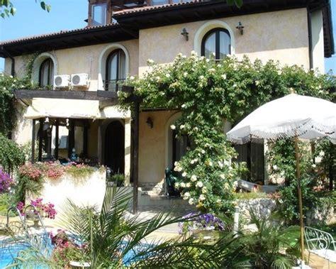Shade Italian Garden Design Jmcl Garden Pinterest Italian Patio Design