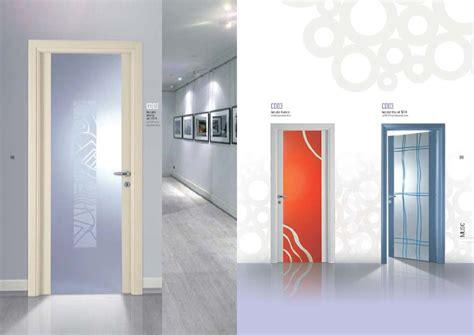 porte interne con vetro decorato porta laccato avorio porta con vetro decorato mdbportas