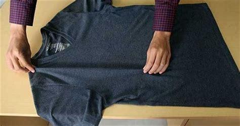 tutorial bungkus kado kaos cara melipat kaos atau kemeja dengan cepat hanya 2 detik