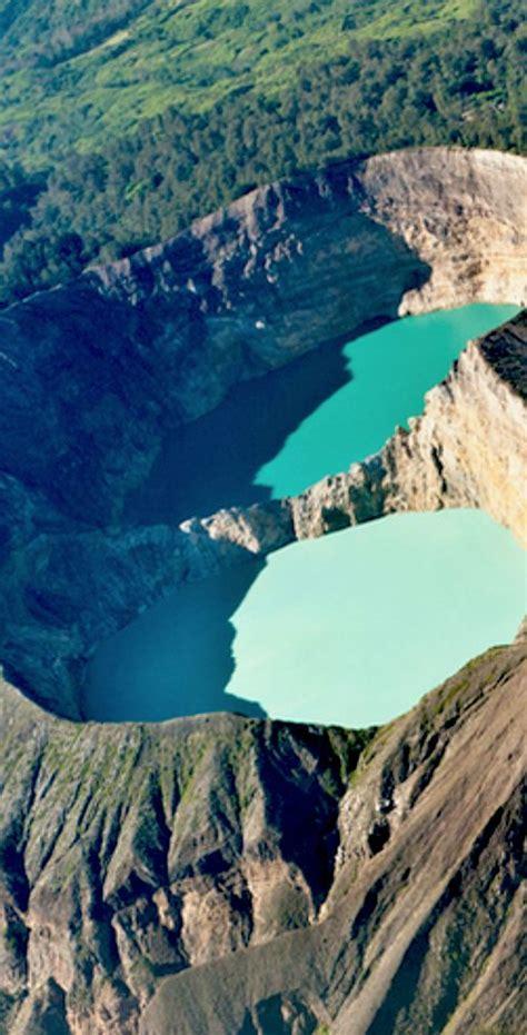 kelimutu crater lakes  flores island indonesia