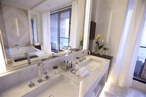 pulire piastrelle come pulire le piastrelle bagno in modo semplice e veloce