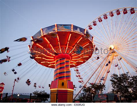 navy pier swings swinger stock photos swinger stock images alamy