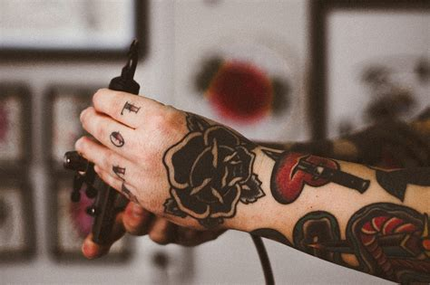 knuckle tattoo healing tips everything to know about knuckle tattoos tattooaholic com