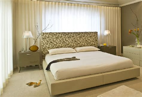 Modern Bedroom Designs For Couples Modern And Sophisticated Bedroom Interior Design Of Glam