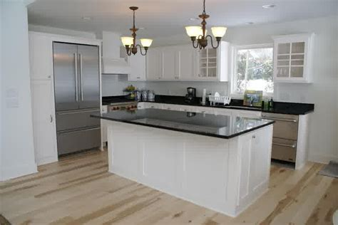 White Beadboard Kitchen Cabinets by Ideas For Beadboard Kitchen Cabinets Weekly Design