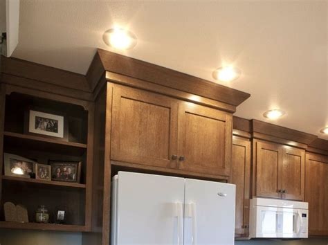 shaker kitchen cabinet crown molding shaker crown molding kitchens crown