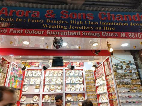 6 Best Places In South Delhi For Artificial Jewellery Shopping