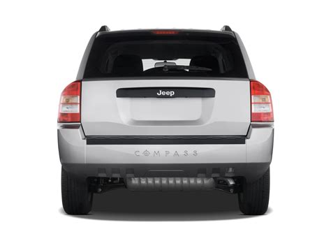 jeep compass back 2009 jeep compass reviews and rating motor trend