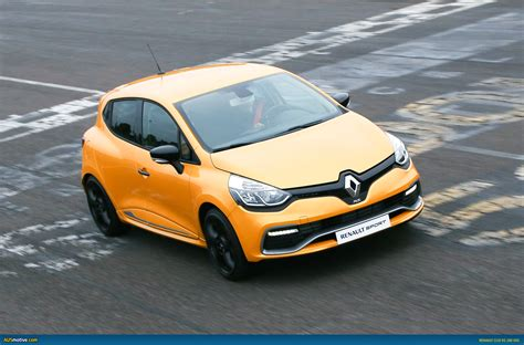 ausmotive 187 renault clio rs 200 edc here in time for