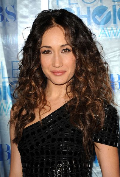 easy to manage wavy hairstyles easy to manage hairstyles maggie q s curly locks easy
