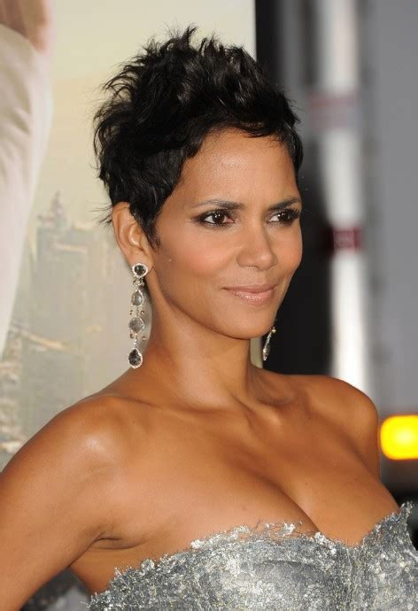 halle berry haircut 2014 pixie short hairstyles halle berry photos 2014 styloss com
