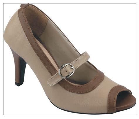 Sepatu Formal Kerja Wanita Bahan Kulit Ht 1018 sepatu modern