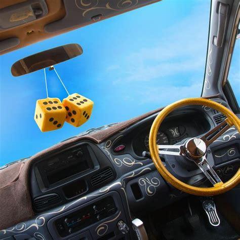 Kaos T Shirt Stussy Snoopy Dice Yellow fuzzy dice