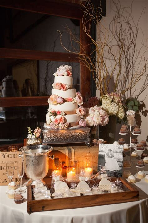 332 best Burlap and Lace Wedding Theme images on Pinterest