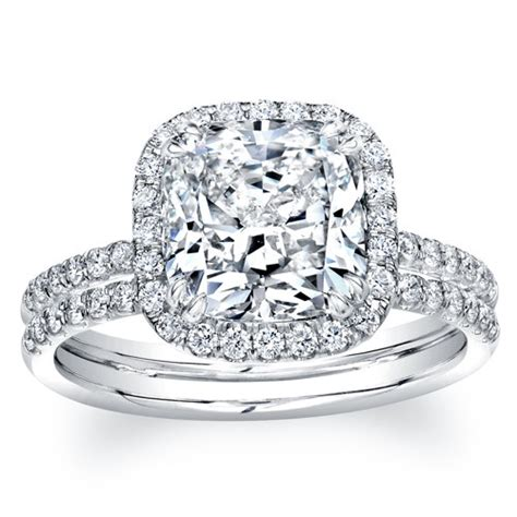 14kt white gold cushion halo engagement ring with