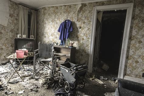 abandoned room abandoned living room www imgkid the image kid has it