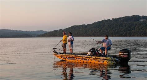 table rock lake bass fishing a family getaway in branson mo thousandhills com