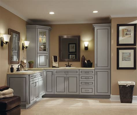 diamond cabinetry from lowes los angeles by lowe s diamond at lowes find your style culver maple dover