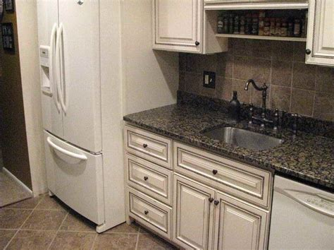 White Kitchen Cabinets With Glaze Glaze Kitchen Cabinets