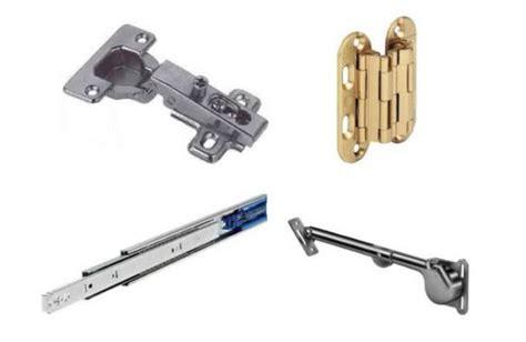 ferramenta x mobili ferramenta per mobili composta da cerniere per mobili